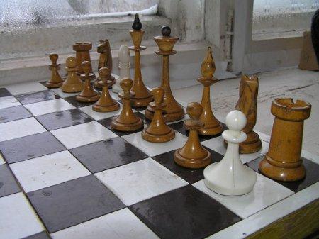 Защитники сражались на шахматных досках