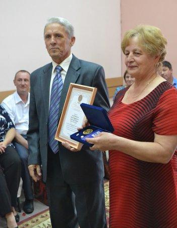 Награда за любовь - дети, внуки и... медаль