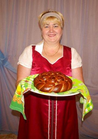Не красна изба углами, а красна пирогами