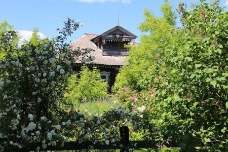 Деревня цветущих садов