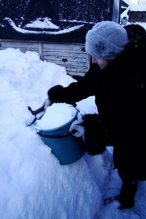 На улице Высоцкого вода появится только летом