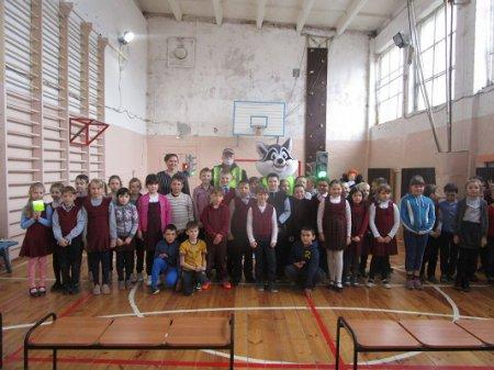 Воскресенскую школу посетили гости из ГБУ ДО регионального центра «Вега», центра профилактики детского дорожно-транспортного травматизма с енотом Севой.