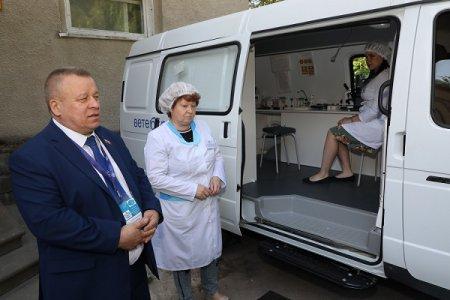 14 новых спецавтомобилей передано ветеринарным специалистам Нижегородской области
